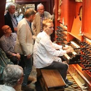 Duyschot-vrienden bezochten en bespeelden het orgel in de Sint Bavo te Haarlem