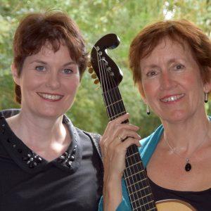 Hilde Van Ruymbeke en gitariste Elly van Munster: Die Stimme der Nacht