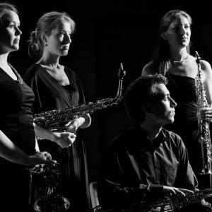 Primeur van de saxofoon in de Duyschot serie! - Ebonit Saxofoonkwartet!